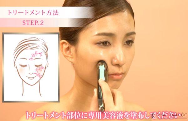 Massage vùng xoắn ốc xung quanh da theo hình minh họa