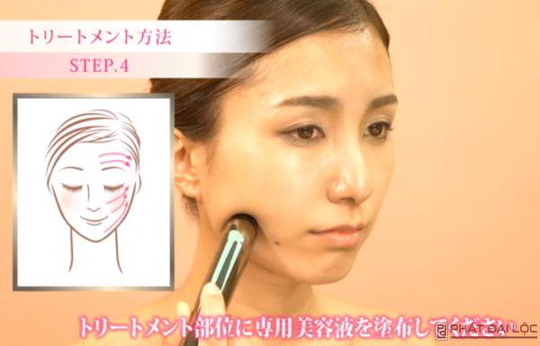Massage nâng cơ mặt chảy xệ theo hình minh họa