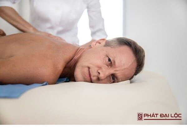 Phương pháp massage dương vật dành cho nam giới