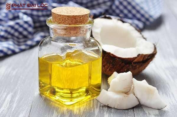 Có nhiều công thức trị mụn khác nhau từ dầu dừa